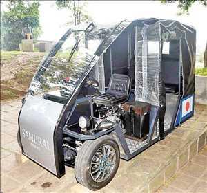 Vehículo eléctrico de tres ruedas